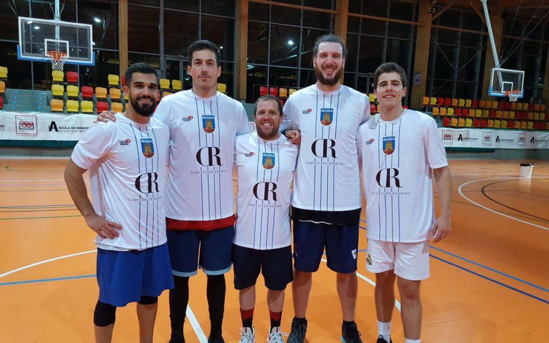 Baloncesto Alcalá vestirá 4 temporadas más con Confección Rodrigo